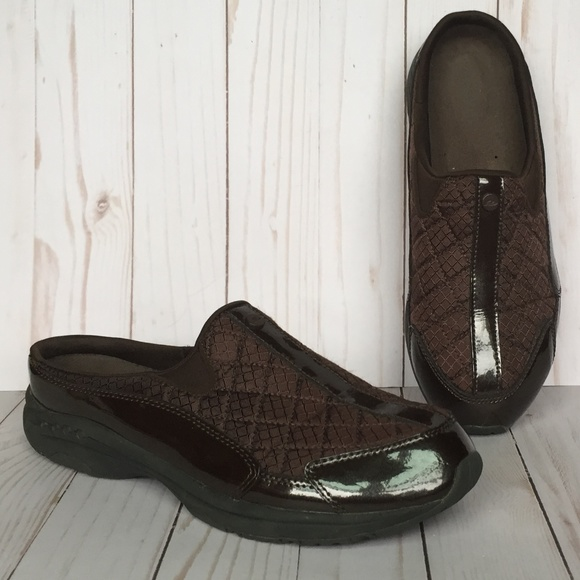 854adb14d3451a Easy Spirit Shoes   Womens Traveltime Mule   Poshmark